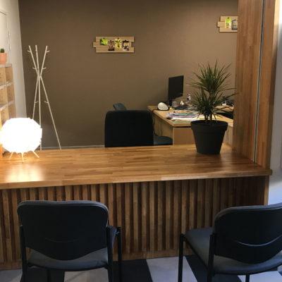MOB Menuiserie Agencement Design à Orange Dans Le Vaucluse Banque Caisses